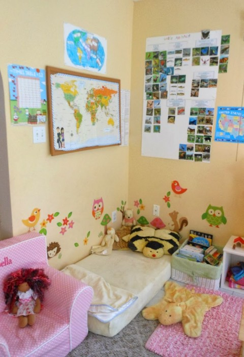 Homeschooling room tour, natural toys, open ended play, toddler, Waldorf, Montessori, Handmade, preschool, Dolls, www.naturalbeachliving.com