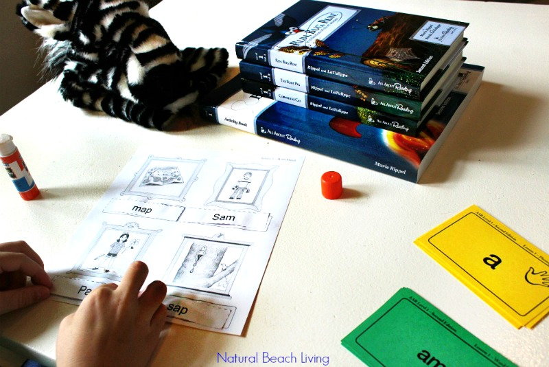 The Best Homeschool reading curriculum All About Reading, Easy ways to teach early reading skills with hands on learning, books, games, tips, Teach Reading, Teach reading preschool, special needs, tips Multisensory