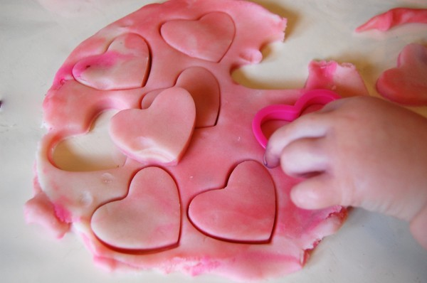 Valentine Play Dough Station Top 10 Valentine's Activities for toddlers, Sensory Play, Crafts, Slime, Montessori and more.