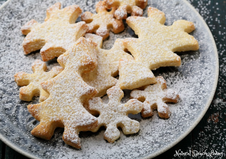 The Most Amazing Sugar Cookie Recipe, Holiday Décor, Cooking with kids, holiday baking ideas, Delicious Christmas Cookies & Decorating Start Here
