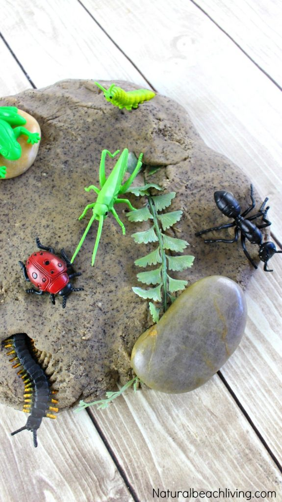 Bug Activities for Preschool, Preschool Insect Theme, These Bug Activities for Preschool and Kindergarten are great for a bug theme. You'll find fun learning activities, crafts, ideas, printables and insect science activities. Great ideas for a preschool insect theme or hands-on activities for your kids