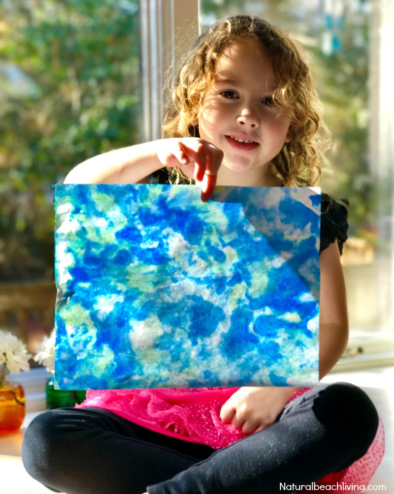 Earth Day Art for Preschool Art Activities, Shaving Cream Marbling, a perfect process art for preschoolers and kindergarten, Easy Art Activities for Preschoolers and Earth Day Crafts for kids, Shaving Cream Activities and Shaving Cream Earth