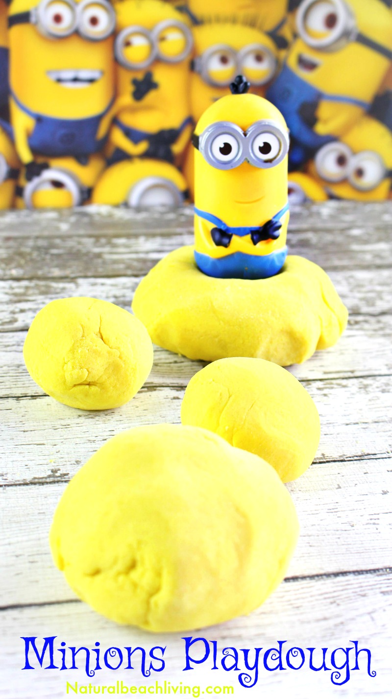 Minions Banana Scented Playdough