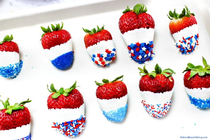 How to Make The Best Chocolate Covered Strawberries Recipe, Perfect 4th of July & Memorial Day Food, Patriotic Chocolate Covered Strawberries are Yum!