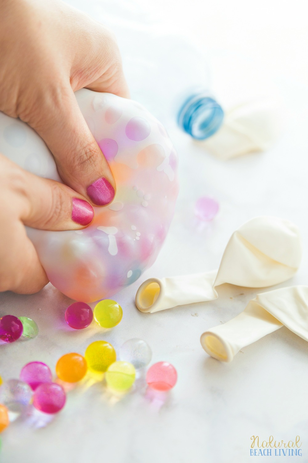 How to Make Stress Balls, The best cheap stress balls, DIY stress balls, Stress relief, DIY therapy ball, Stress balls for kids, sensory play, Orbeez Balls, therapy