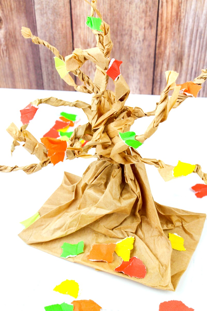 Bring the beauty of fall indoors with these 25 Leaf Crafts for Kids. These fun seasonal craft projects are perfect for kids to make themselves or in a classroom. Craft with real leaves and sticks to create beautiful artwork and colorful displays for autumn. Fall Crafts for Kids and Easy fall leaf craft activities