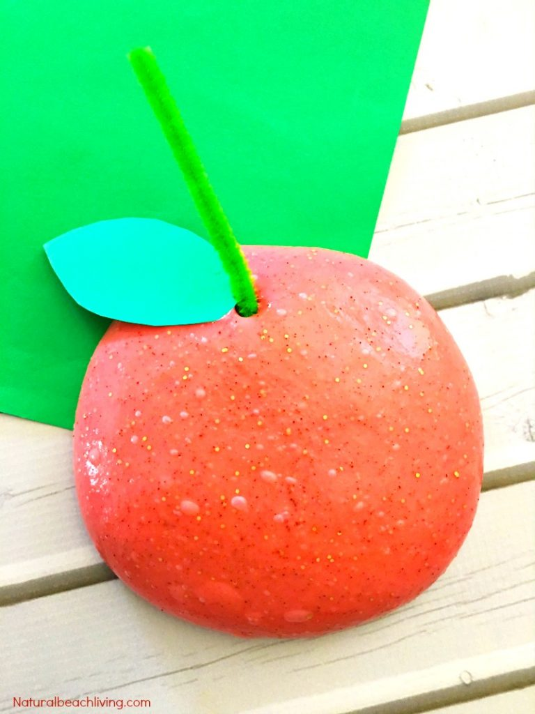 How to Make Super Jiggly Slime, Cinnamon Apple Scented Slime, Slime recipe, Jiggly Slime recipes, Fall sensory play, Apple theme, Borax Slime, Cinnamon