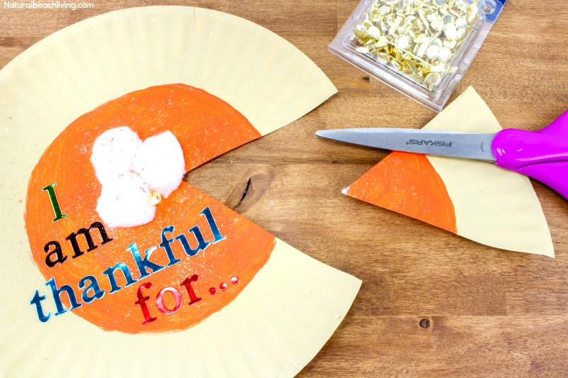 Best Easy to Make I Am Thankful Craft for Kids, Thanksgiving Thankful Craft idea. This Pumpkin Pie Paper plate craft is perfect for Thanksgiving. Practice gratitude this Thanksgiving with thankful crafts. #Thanksgiving #Thanksgivingcrafts #Thankful