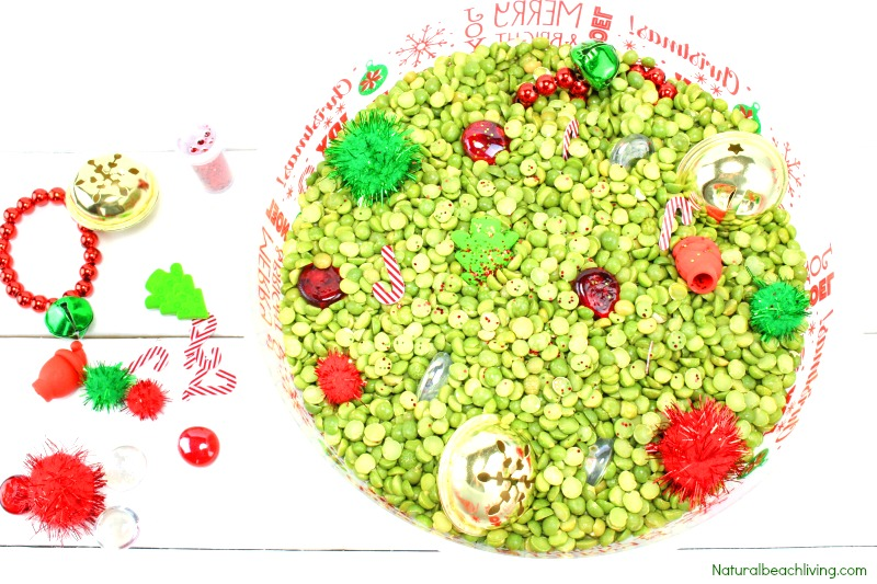 Easy Christmas Sensory Bin for Preschoolers, Christmas Sensory Bin Ideas, Christmas Sensory Bins, Sensory Bins for Toddlers, Christmas Sensory Table ideas, Sensory Play, #Christmas #Christmassensorybins #Christmasactivities #sensoryplay #sensorybins