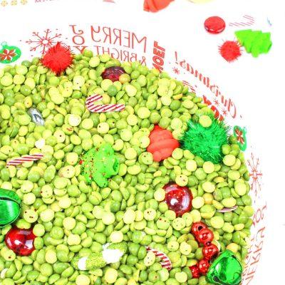 Easy Christmas Sensory Bin for Preschoolers – Winter Sensory Activities