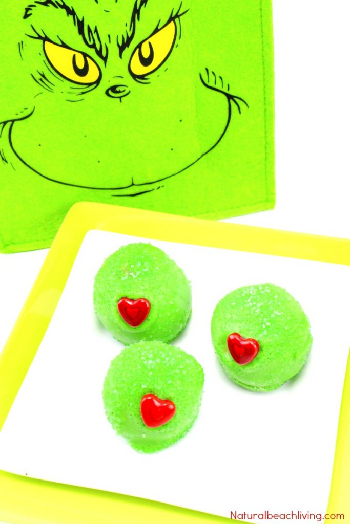 The Best Grinch Snacks, Grinch Cake Balls, Everyone loves Grinch Party Food, Make Grinch Cake or Grinch Balls for a fun Grinch Party, Grinch Treats, Grinch snacks for Kids, Christmas snacks for kids