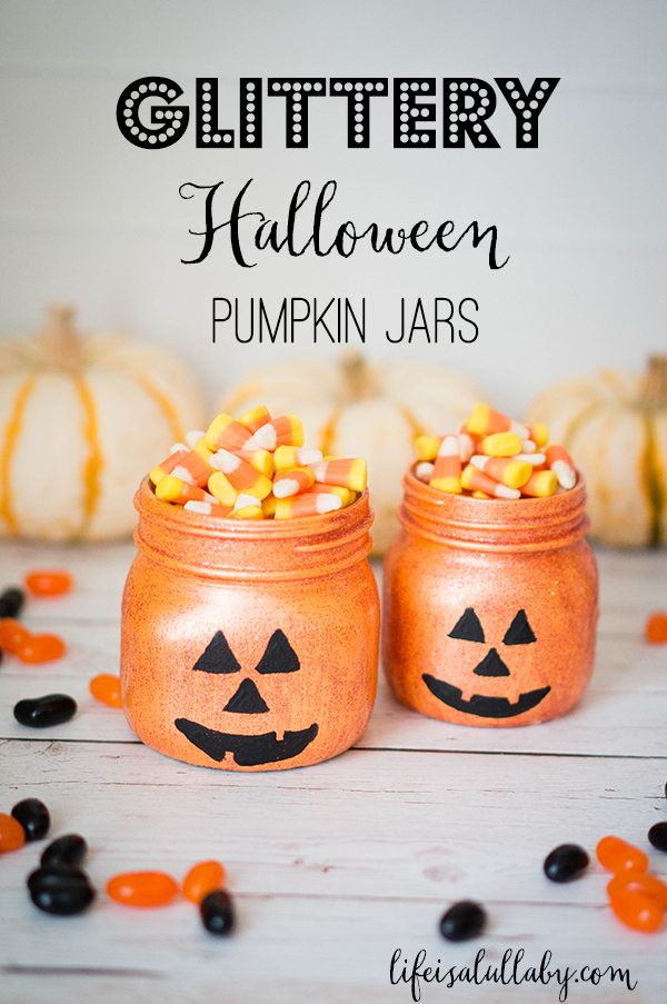 18+ Mason Jar Crafts for Fall, Mason Jar Crafts DIY, Halloween Mason Jar crafts and Mason Jar Crafts for Kids, TheseEasy Fall Crafts and DIY Fall Decor are just what your house needs to bring in the lovely season. Add a little Fall MasonJar Centerpiece to your craft list this year.