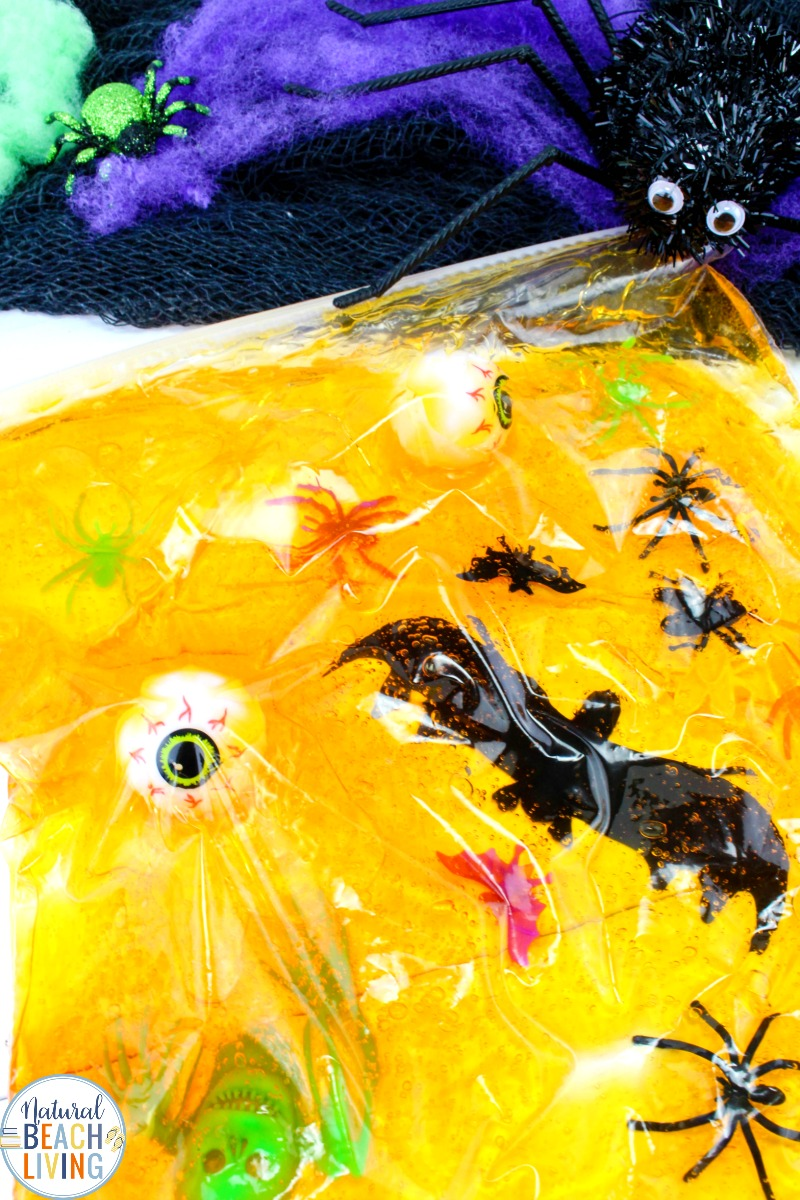 An easy Halloween Sensory Bag, Sensory play for babies, toddlers and preschoolers, How to Make Halloween Sensory Bags, Mess Free Halloween Sensory Activities for exploring senses. Sensory Play for Babies