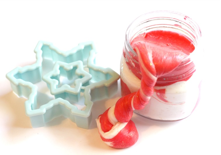 This Candy Cane Slime Recipe with Contact Solution is AMAZING, Fluffy Slime, Slime Recipe with Contact Soltion Recipes, How to make slime with contact solution, Fluffy Candy Cane Slime for Christmas Slime ideas, Peppermint Slime Recipe