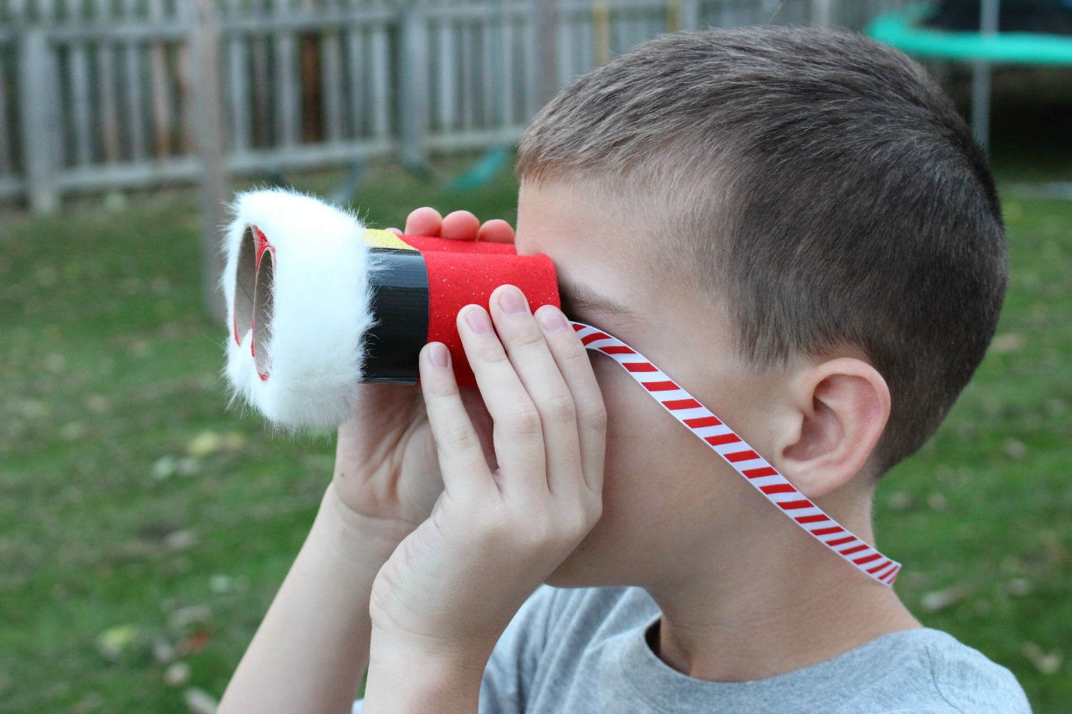 Santa Binoculars Christmas Craft for Kids, These DIY Santa Binoculars Christmas Craft are perfect for kids to make in December, This is an easy Christmas Craft for Kids, You can make an adorable Santa craft with your kids to Search for Santa with their very own DIY Santa binoculars