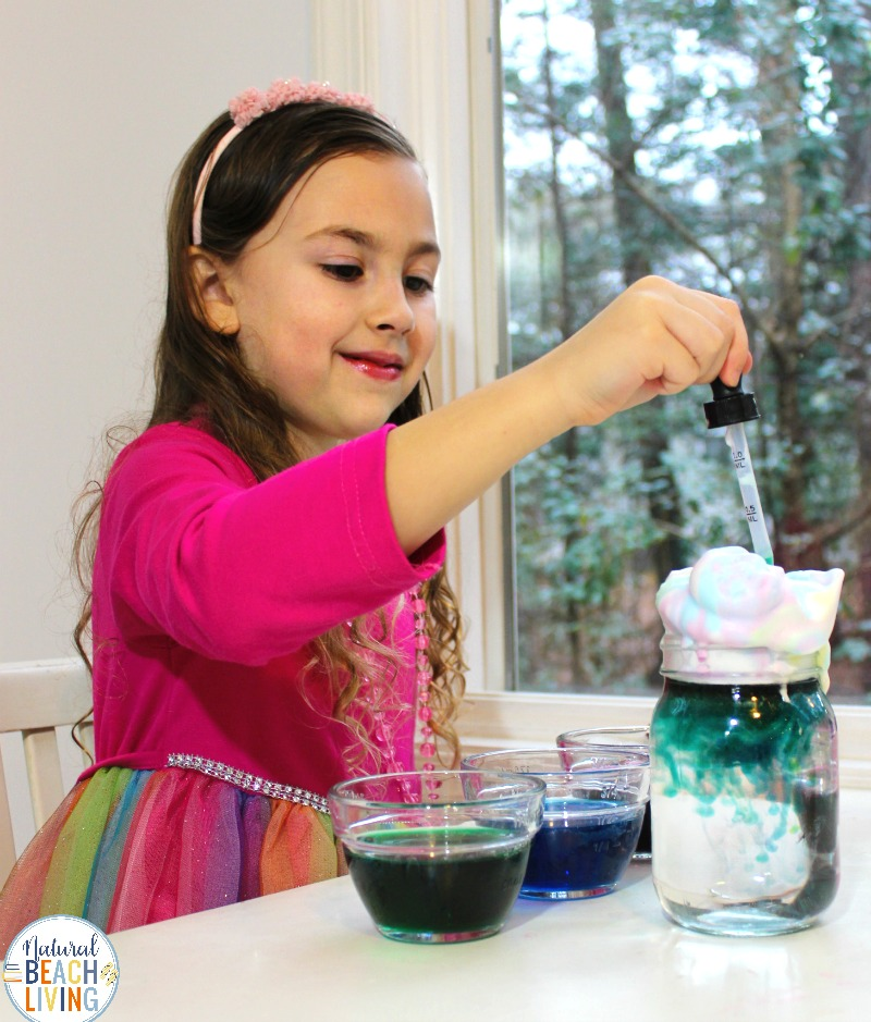 Rain Cloud Experiment and Preschool Science Experiments, Doing a Rain Cloud in a Jar Experiment is perfect for preschool and Kindergarten science. This weather science experiment gives your children a chance to explore clouds and rain with hands-on activities.Perfect for a preschool weather theme, Preschool Science,