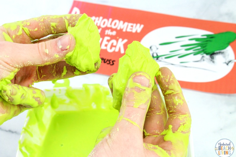 How to Make Oobleck, Oobleck is a super cool sensory activity that's also an exciting science experiment, perfect for a Dr. Seuss theme, Bartholomew and the Oobleck Activities. This simple Oobleck recipe will have your children enjoying slime and gooey sensory play that's science. Dr. Seuss Party Ideas, Sensory Play