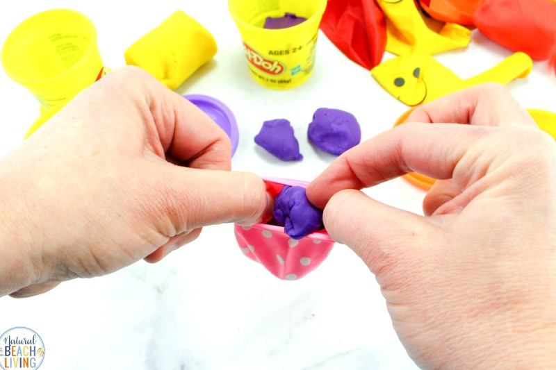 Here you'll find all of the Best Stress Ball DIY, See How to Make a Stress Ball and DIY Stress Balls, Whether you want to know Stress Ball Benefits or you need Stress Balls, These Homemade Stress Balls and Squishy stress balls are amazing, Making Stress Balls and Stress Balls for Kids Easy!