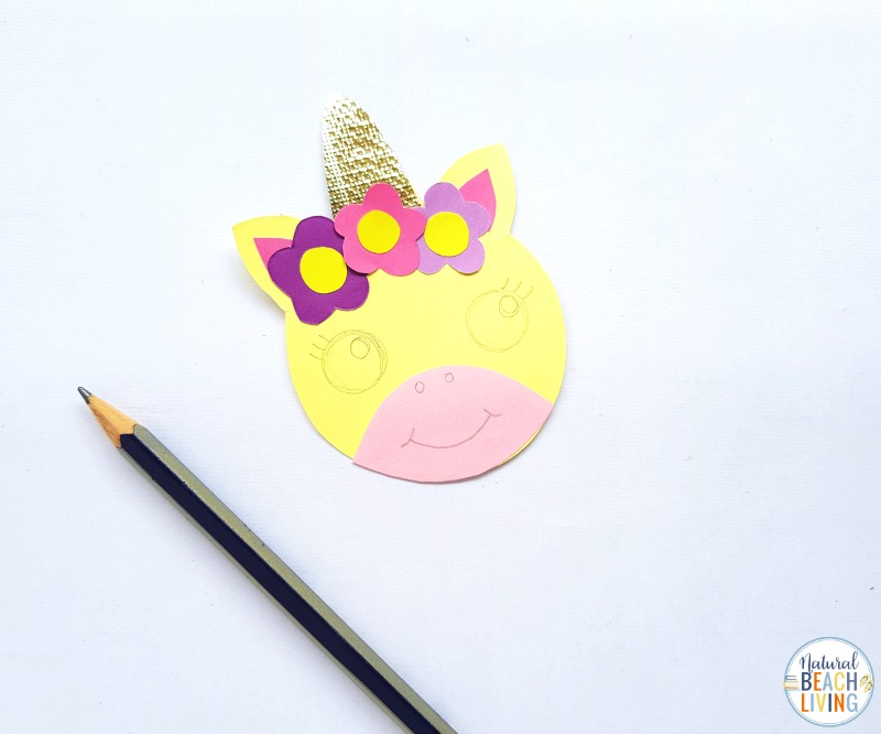 These Unicorn Bookmarks with Free Unicorn Templates are so simple and fun to make! Perfect for a Unicorn Activity or Unicorn party craft. Add these to your Fun Unicorn Activities for your favorite Unicorn books or a special reading time!