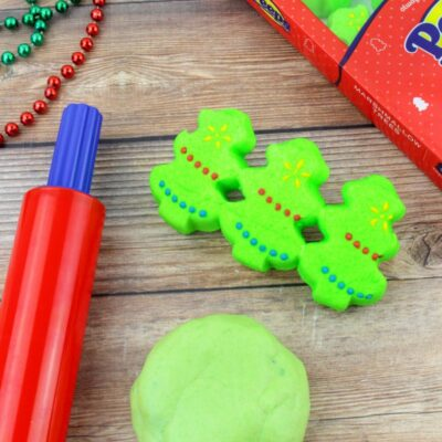 Christmas Peeps Playdough – Easy Homemade Playdough That's Edible