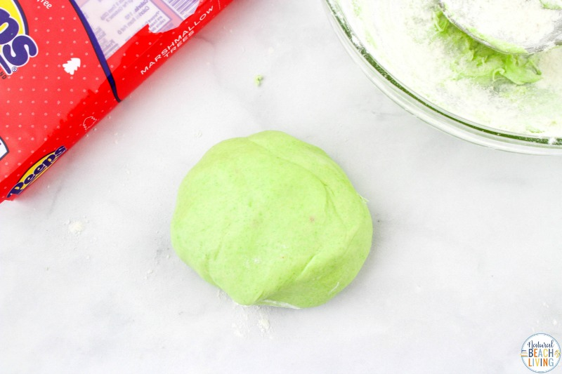 This Christmas Peeps Playdough recipe is fun to make. Plus, it tastes good. This Edible Playdough is perfect for a Christmas Sensory Play for toddlers and preschoolers, Peeps Playdough is easy to make with only 3 ingredients. Have fun with The Best Homemade Playdough Recipes