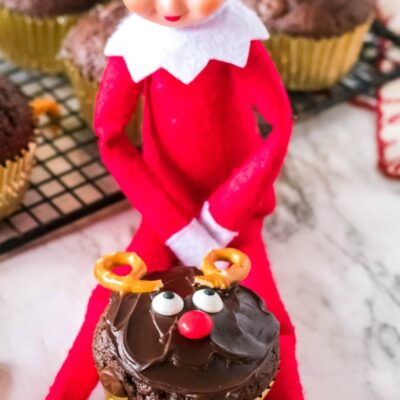 Elf on the Shelf Baking Cupcakes