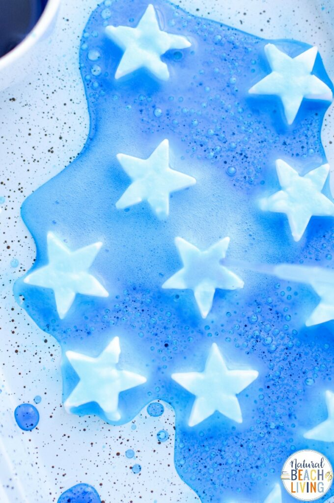 This 4th of July Fizzy Stars Baking Soda Science Experiment is a great way to share science and hands on activities that your kids will learn from and have fun with. Add this Super Cool Patriotic Science experiment to your day for a perfect summer activity.